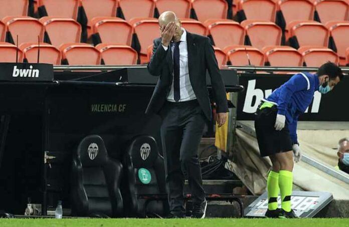 Zinedine Zidane Mengakui Penampilan Timnya Kacau Balau